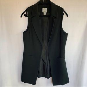 Paraphrase Black Sleeveless Long Blazer